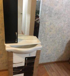 Умывальник с тумбой и зеркалом в ванную комнату