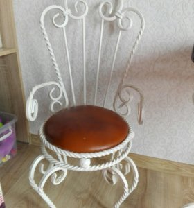 Стул—трон детский