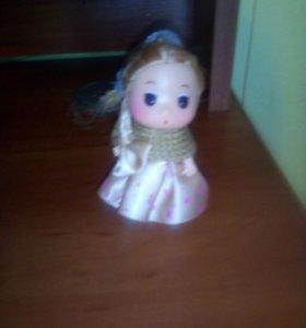 Кукла и игрушки