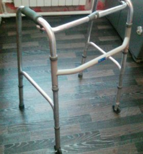 Ходунки для инвалида ,новая