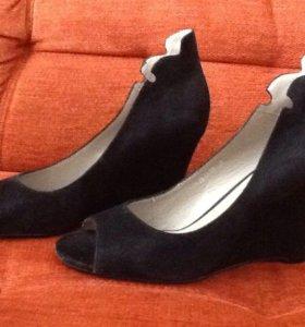 Туфли новые Calipso размер 37