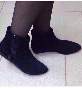 Ботинки новые Corsocomo