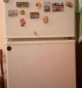 Холодильник 2х секционный