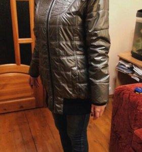 Фирменная Демисезонная куртка металлического цвета