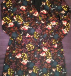 Женское платье. Размер М.