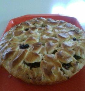 Пирог сдобный с сухофруктами