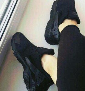 Кроссовки. Nike. Новые. Размеры с 36 по 40