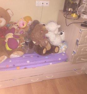 Детская кроватка трансформер и новый матрас