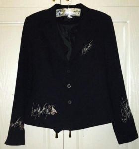 Пиджак с авторским дизайном