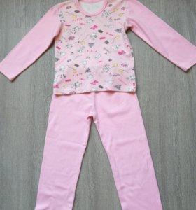 Пижама для девочки на 5-6 лет.