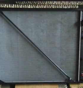 Радиатор Мерседес Актрос 1843.