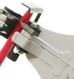 Клещи-автомат для снятия изоляции с проводов
