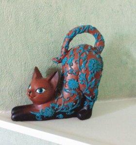 Статуэтка-кошка