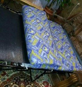 Мягкая мебель. Диван и два кресла.