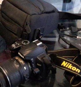 Зеркальная фотокамера Nikon D3000. Торг!