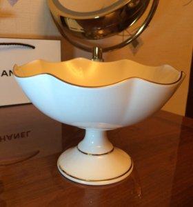 Фарфоровая ваза, белая. 12х17 см. Новая