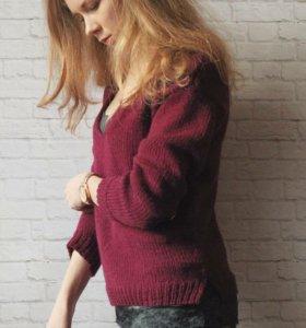 Очень стильный свитер, ручная работа