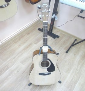 Yamaha F310 акустическая гитара