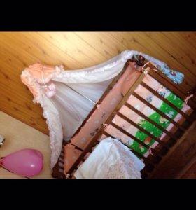 Бортики с балдахином и постельным бельём