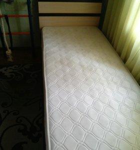 Односпальная кровать+матрас.