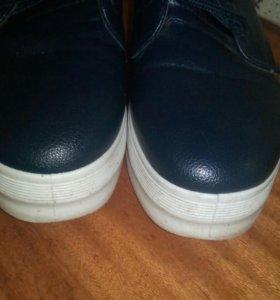Продам ботинки( слипоны)