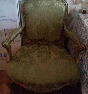 Старое кресло без реставрации