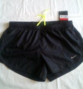 Новые шорты жен Nike, L