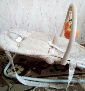 Шезлонг happy baby и ходунки babyton