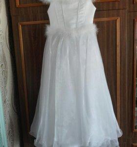Платье для девочки + перчатки.