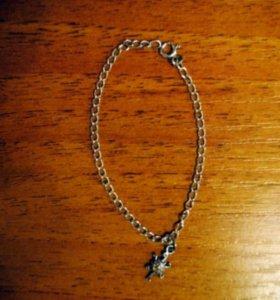 Серебряный браслет с подвеской