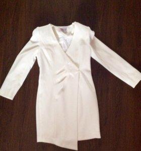Платье белое 44-46 рр