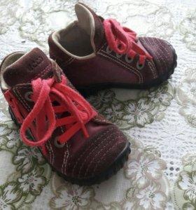 Ботиночки Ecco 19 размер.