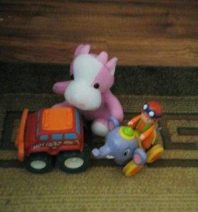 Небольшой набор игрушек
