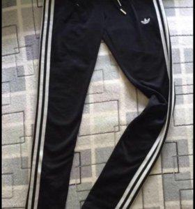 Спортивные штаны- легинсы Адидас