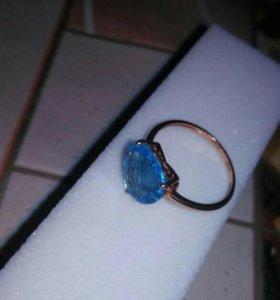 Кольцо золото,топаз,бриллианты