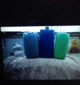 Канистры от 20-30 литров