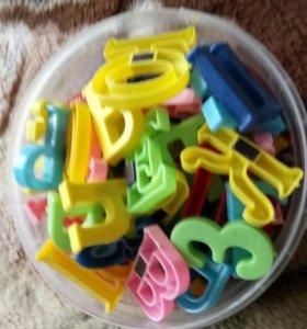 Игрушки буквы на магните
