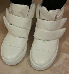 Женские ботинки. Новые