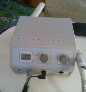 Аппарат для педикюра и маникюра с пылесосом.