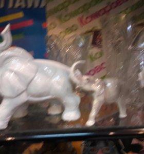 Фарфоровые слоны статуэтки