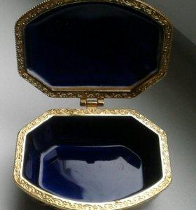 Для украшений миниатюрная шкатулка