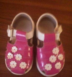 Туфли для девочки ,размер 20