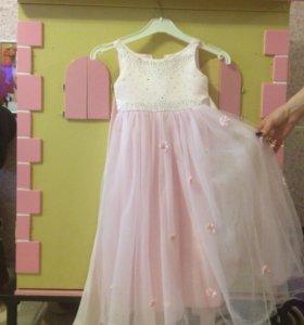 Детское платье 3-4 годика