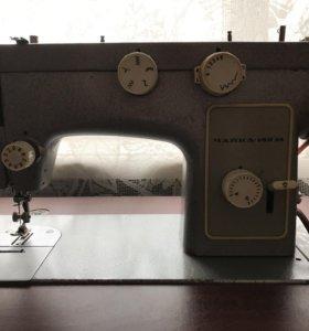 Швейная машинка Чайка 142 М