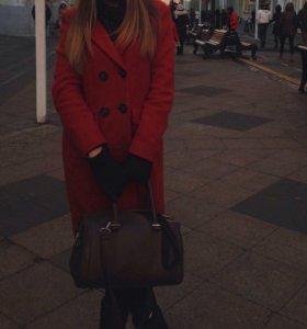 Красное пальто 🍓