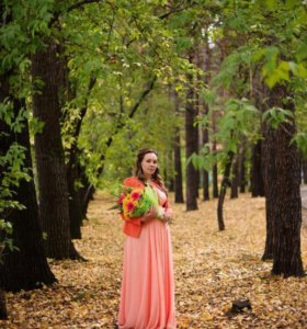 Продам платье Шикарное..... В пол... 89138959623