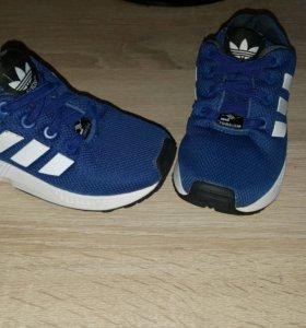Кроссовки addidas