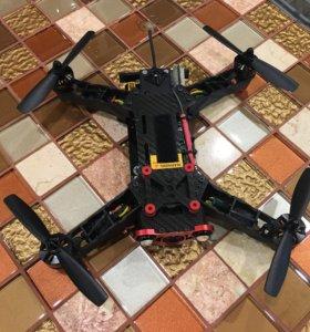 Квадрокоптер FPV eachine racer 250