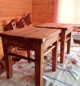 Табуретки и стол