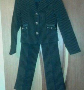 Школьный костюм и блузки